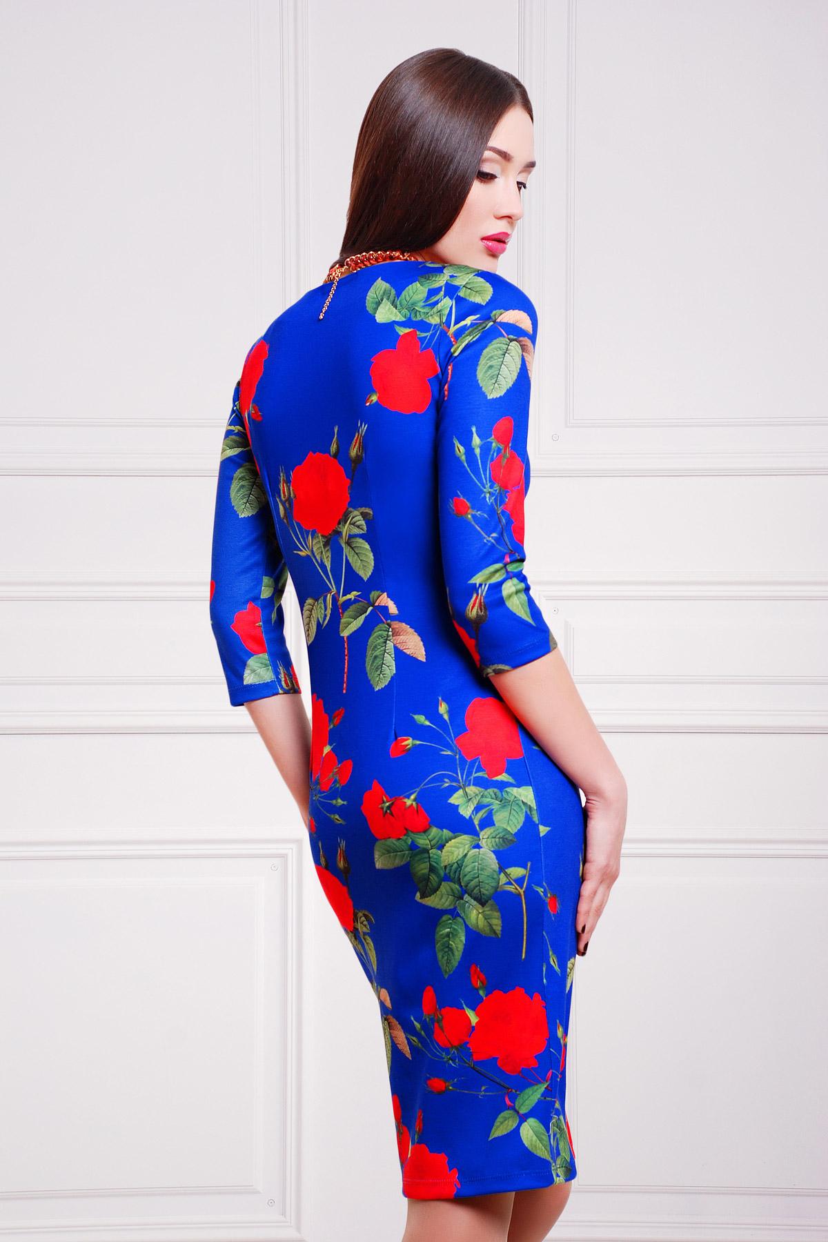 Платье красные розы на синем