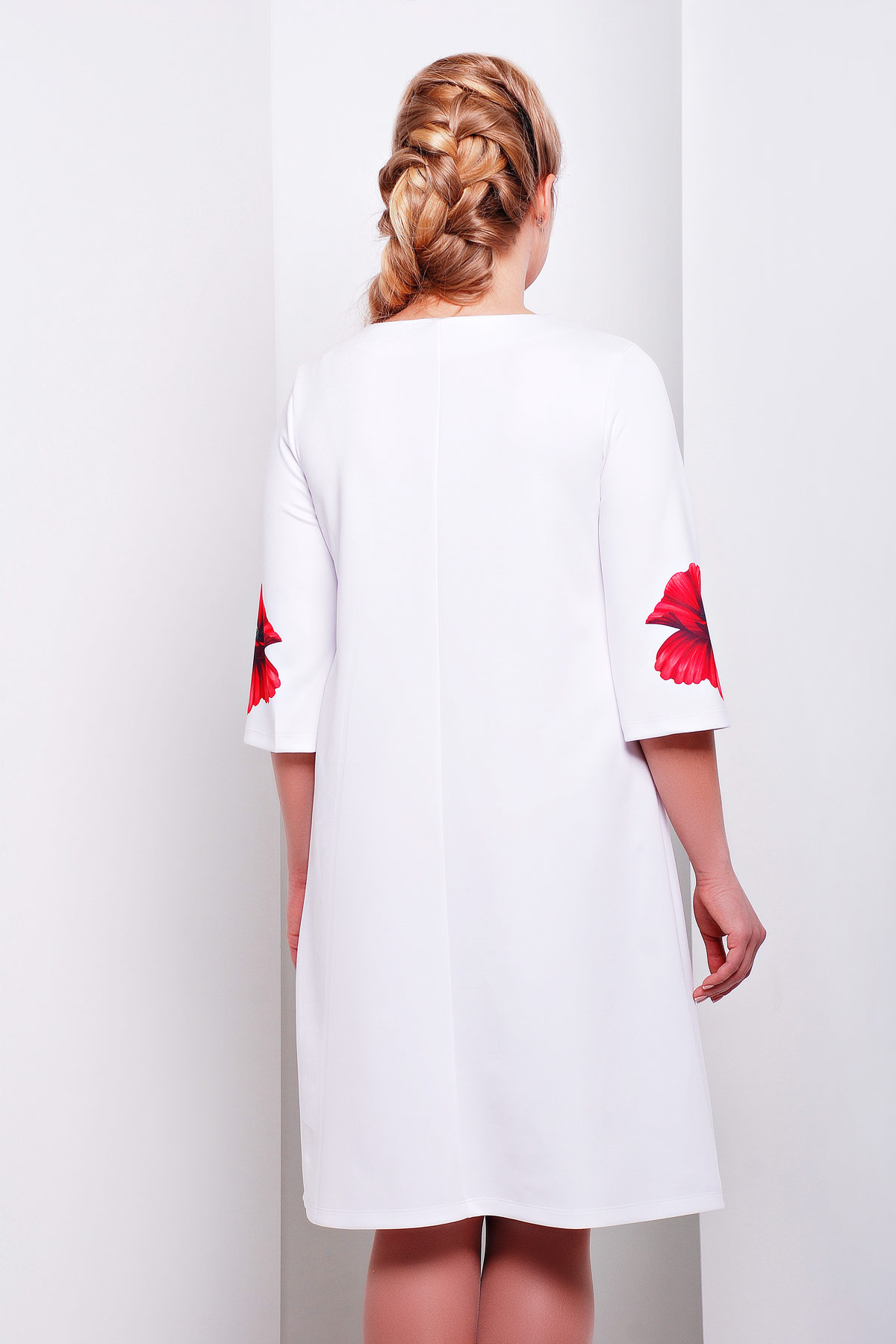 Белые платья с цветами