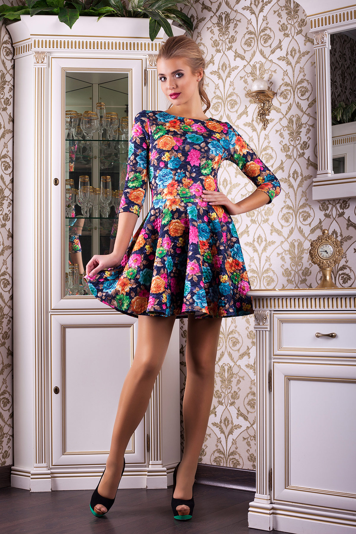 Платье с юбкой в цветах купить