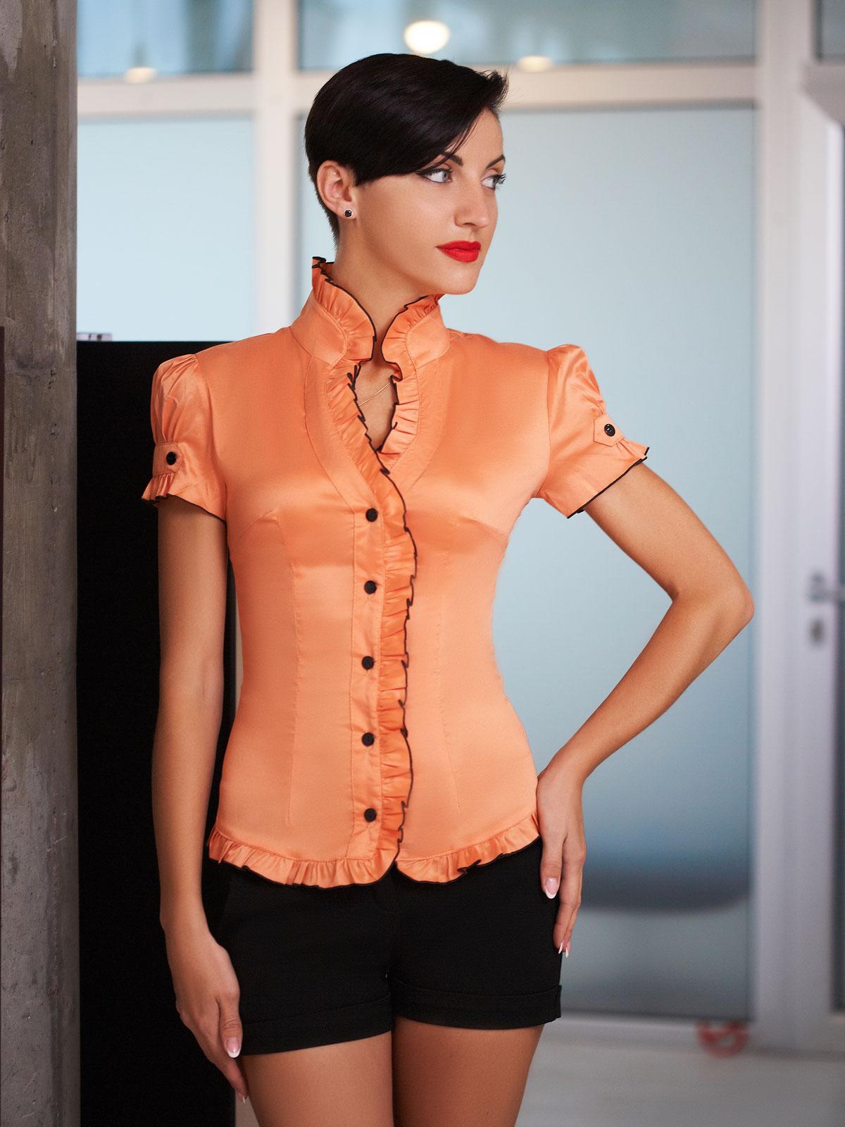 Блузка оранжевого цвета купить