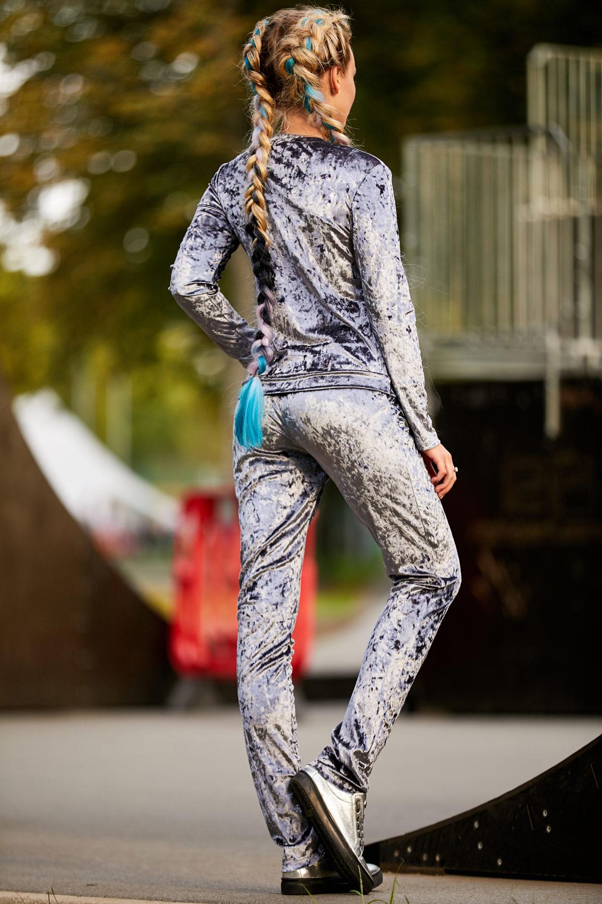 Велюровые женские костюмы