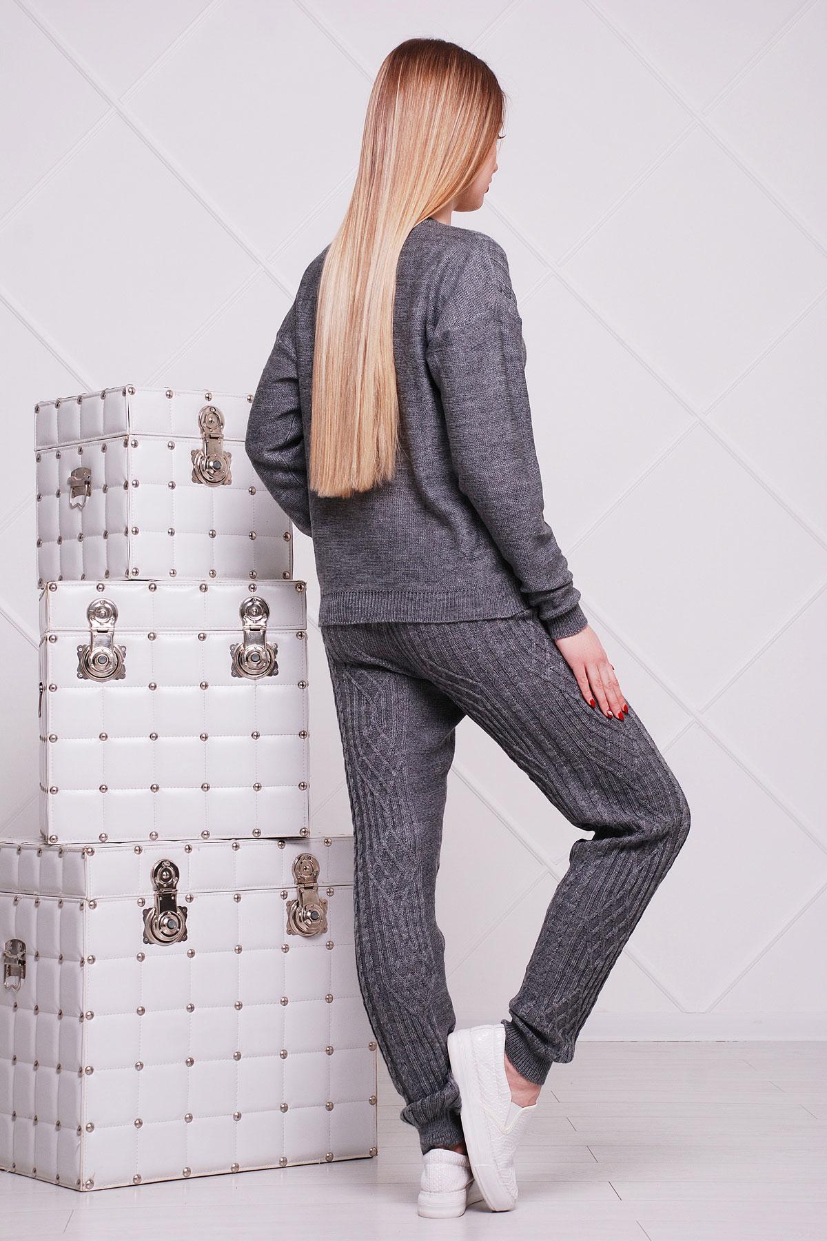 Вязаный костюм женский