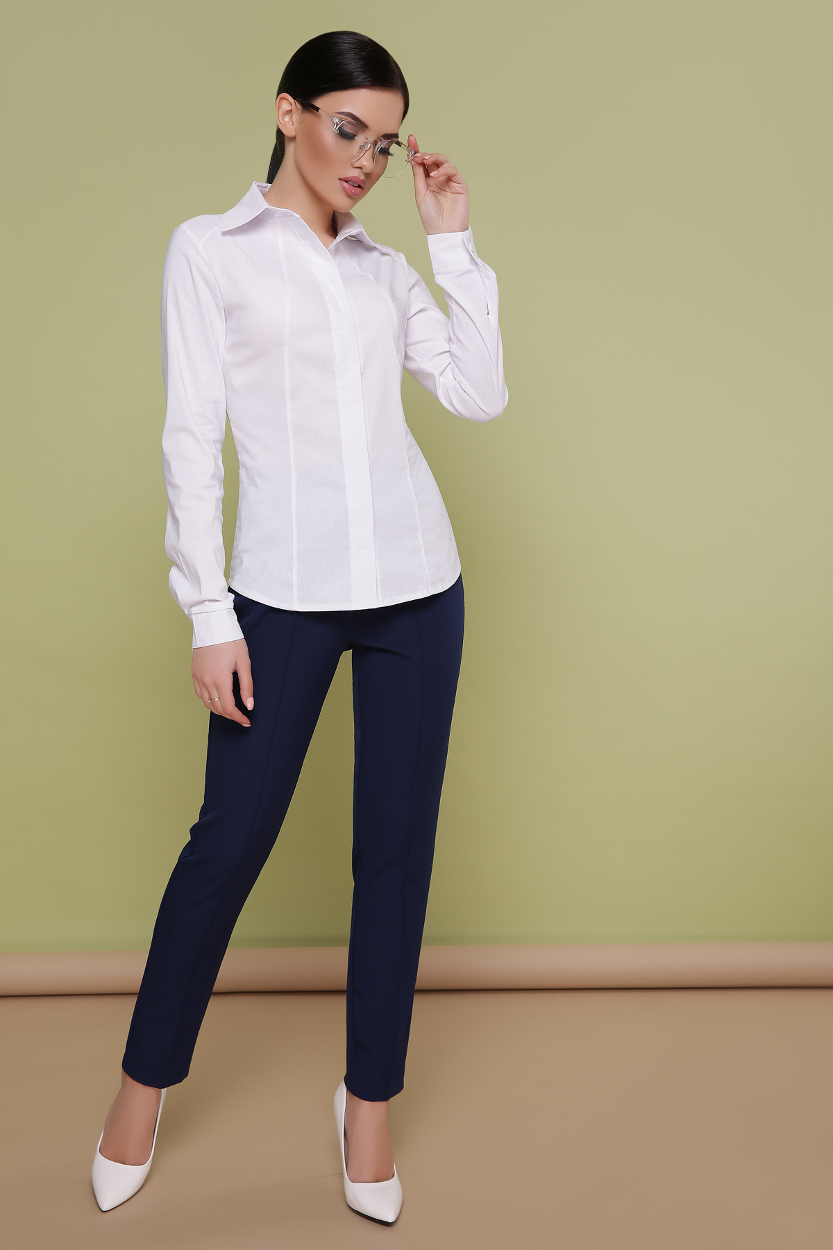179d0c79a4e Деловая женская блузка темно-синего цвета. блуза Норма д р.