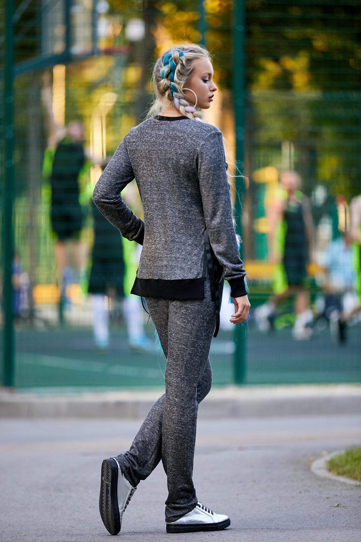 Серый костюм женский