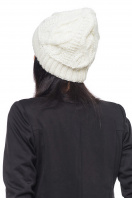 Вязаная белая шапка с внутренним отворотом. Шапка 1046. Цвет: белый
