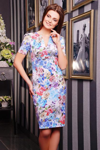 летнее платье футляр с цветами. платье Энжи к/р. Цвет: белый-голуб.цветы