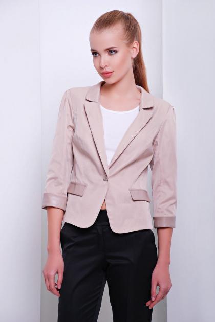 черный приталенный пиджак. пиджак Рандеву. Цвет: св.бежевый-беж. отделка