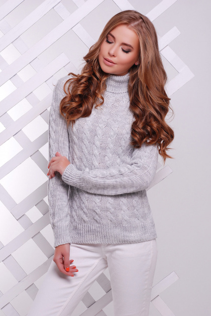 черный свитер с косами. Свитер 134. Цвет: светло-серый