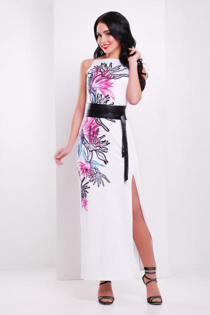 длинное белое платье с черным поясом без рукавов. Стрелиция платье Латина б/р. Цвет: белый