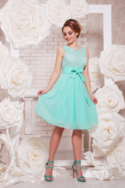 коктейльное мятное платье до колен. платье Настасья б/р. Цвет: мята