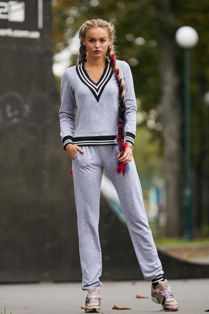 серый спортивный костюм. Костюм Максимум. Цвет: серый