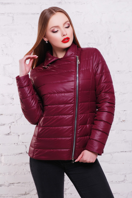 короткая черная куртка. куртка Майори. Цвет: бордовый