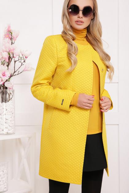 черное пальто на весну. пальто П-337. Цвет: желтый горох