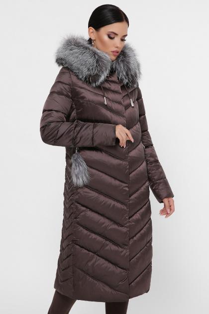 длинная коричневая куртка. Куртка 19-59. Цвет: 11-коричневый