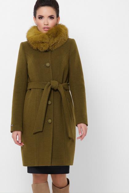 бежевое пальто с меховой опушкой. Пальто П-330-90 з. Цвет: 745-оливка
