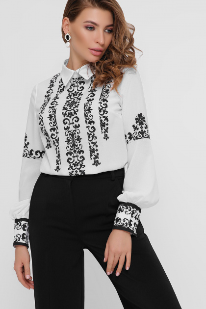 белая блузка с узором. Черный узор блуза Мика д/р. Цвет: белый