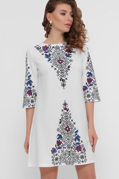 платье белого цвета с орнаментом. Орнамент платье Тая-1 3/4. Цвет: белый