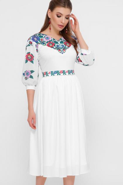 платье белого цвета с цветами. Цветы платье Миранга 3/4. Цвет: белый