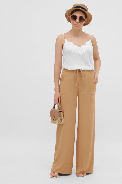 летние бежевые брюки. брюки Тилли. Цвет: темно бежевый