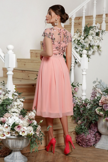 нежное платье миди. Платье Айседора б/р. Цвет: персик цена