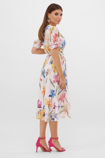 . Платье Алеста к/р. Цвет: белый-ирисы в интернет-магазине