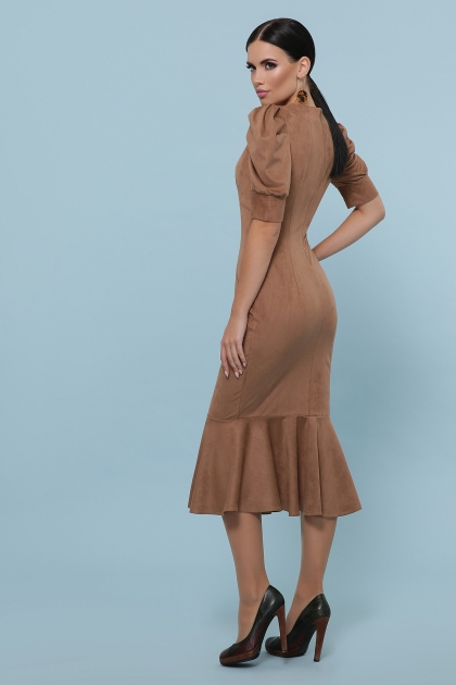 бордовое платье с воланом внизу. Платье Дания к/р. Цвет: бежевый в интернет-магазине