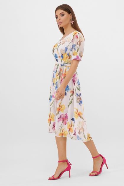 . Платье Алеста к/р. Цвет: белый-ирисы цена