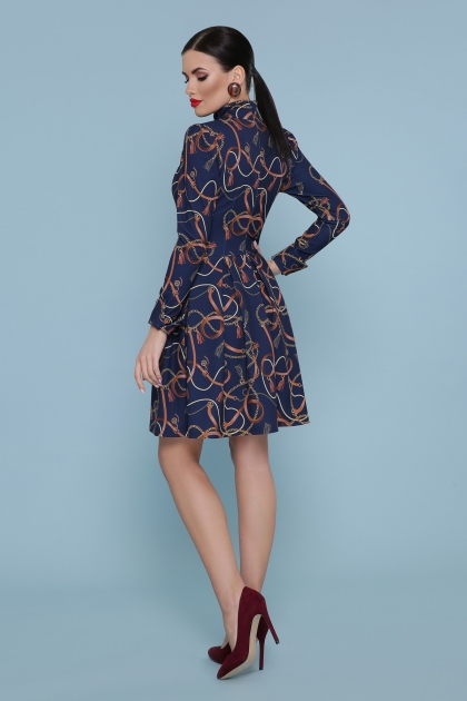 синее платье со складками. Ремешки-цепи Платье Эльнара д/р. Цвет: синий в интернет-магазине