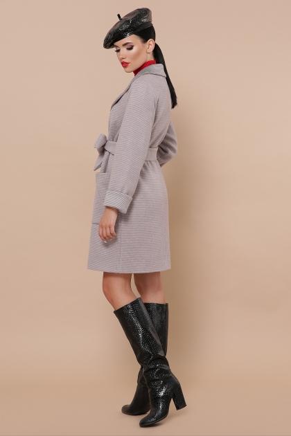 демисезонное песочное пальто. Пальто П-347-М-90. Цвет: 8-св.бежевый цена