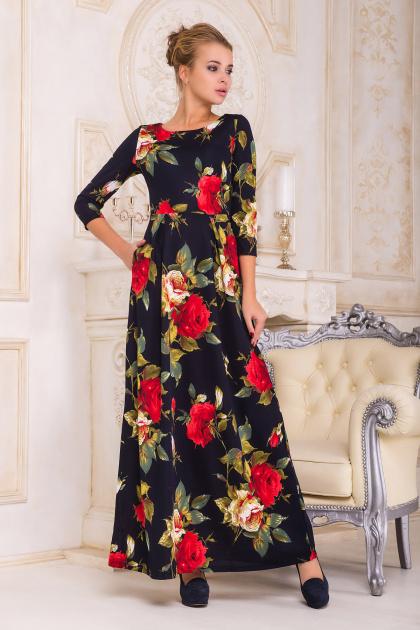 Черное платье с красными розами